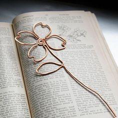 marque page original, fleur en cuivre