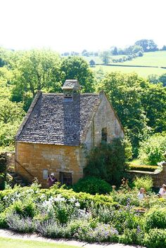 Little cottage home, in Snowshill, Cotswolds, England.one of my favorite gardens in England. Cozy Cottage, Cottage Homes, Cottage Style, Cottage Bedrooms, Cottage Gardens, Cottage Design, Stone Cottages, Cabins And Cottages, Country Cottages