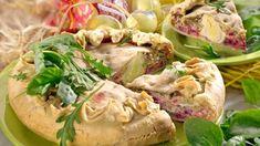 Pikantní koláč s červenou řepou Potato Salad, Potatoes, Meat, Chicken, Ethnic Recipes, Food, Potato, Essen, Meals