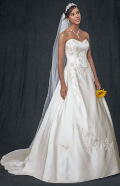 David's Bridal Collection Strapless Corset Ball Gown with Lace Appliques Style WG3627 #davidsbridal #weddingdress