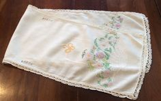 "ANTIQUE 37""X10"" CREAM LAVENDER FLORAL FRENCH KNOT EMBROIDERED FINE LINEN RUNNER"