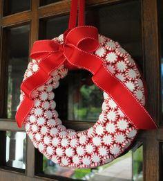 Peppermint Candy Wreath-Beautiful Wreaths DIY Ideas