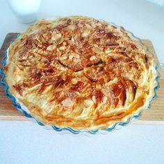 Tarta francuska z jabłkami i migdałami. Przepis na moim blogu :) http://zcynamonem.pl/tarta-francuska-z-jablkami-i-migdalami/