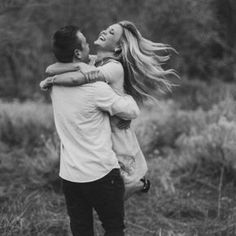 Love the freedom and romance this picture captures Photo Couple, Love Couple, Couples In Love, Couple Photography, Engagement Photography, Photography Poses, Couple Posing, Couple Shoot, Engagement Couple