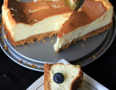 Looking for tasty, nutritious & delicious eggless cheesecake recipes, Try and watch Cheesecake Recipe by Veena Theagarajan. Its guarantee that both adults and kids will love this. Eggless Cheesecake Recipe, Eggless Desserts, Eggless Recipes, Eggless Baking, Cheesecake Recipes, Cheese Bread Loaf Recipe, Best Bread Recipe, Baking With Toddlers, Cold Cake