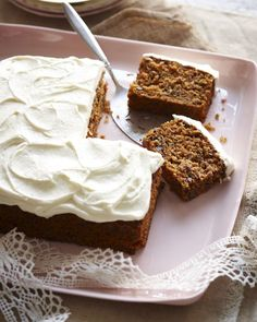This moist, delicious recipe for gluten-free carrot cake includes a rich, dreamy cream cheese frosting. Gluten Free Carrot Cake, Gluten Free Deserts, Gluten Free Sweets, Gluten Free Cakes, Foods With Gluten, Gluten Free Cooking, Dairy Free Recipes, Fodmap Recipes, Carrot Cakes