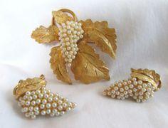 Vintage Hobe Goldtone with Pearls Grapes Leaves Clip Earrings Brooch Pin   eBay