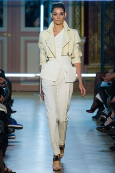 Roland Mouret Spring 2013 Ready-to-Wear - Collection - Gallery - Style.com