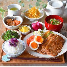 B Food, Food Menu, Food Porn, Japanese Menu, Breakfast Lunch Dinner, Aesthetic Food, Korean Food, Soul Food, Asian Recipes