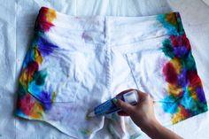 The Signature Bow: DIY // Tie-Dye Denim Shorts - Part 2