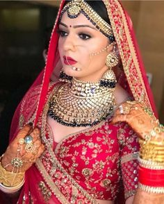 bridal jewelry for the radiant bride Indian Wedding Makeup, Indian Wedding Bride, Indian Bridal Outfits, Indian Bridal Fashion, Indian Bridal Wear, Wedding Wear, Dream Wedding, Indian Wear, Wedding Dresses