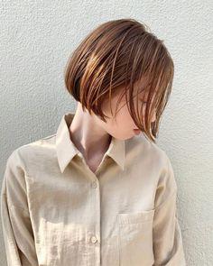 シンプルボブ|表参道の美容室 JENO (ジェノ)スタイリスト堀江 昌樹のヘアスタイル・髪型|ヘアカタログLALA[ララ] Hair Designs, Bob Hairstyles, Short Hair Styles, Hair Makeup, Hair Color, Hair Beauty, Strands, Chic, Color Trends