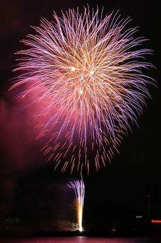 Fireworks / 花火 by studiocherry, via Flickr