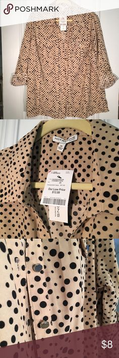 Tan w/ Black Polka Dots - Blouse 2x - NWT! Great button up blouse in a light tan, with black polka dots!  A little stretch in the silky fabric.  Minor imperfection, with light, red mark by the buttons.  (See third pic). New with tags! Notations Tops Button Down Shirts