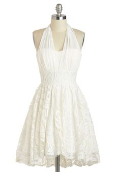 I love the idea of a short wedding dress. Perfect for a casual wedding! White Halter Dress, Mod Dress, Dress Up, Lace Dress, White Lace Sundress, Vestidos Vintage Retro, Retro Vintage Dresses, Pretty Dresses, Beautiful Dresses