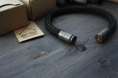 Etsy で見つけた素敵な商品はここからチェック: https://www.etsy.com/jp/listing/519330917/warrior-army-bracelet-paracord-bracelet