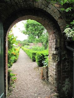 Walled Carolean (Charles II ~1660) garden at Packwood House.