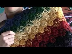 Left Hand: How To Crochet Catherine Wheel Stitch. This is the left handed version of the Catherine Wheel Stitch. Easy to understand once you understand a few simple techniques and rules. Love Crochet, Beautiful Crochet, Crochet Flowers, Crochet Hooks, Knit Crochet, Crochet Crowd, Crochet Motifs, Crochet Stitches Patterns, Tunisian Crochet