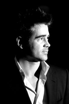 Colin Farrell looking drop-dead gorgeous.