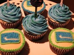 lovee it ! Love Cupcakes, Vancouver Canucks, Fitness Gifts, Stanley Cup, Birthday Parties, Cake Ideas, Desserts, How To Make, Calm