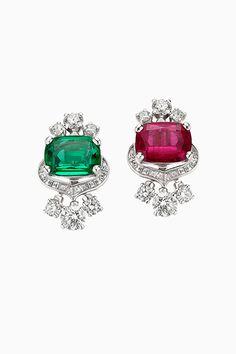 Bulgari Jewelry, Luxury Jewelry, Gemstone Jewelry, Jewelery, Jewelry Design Drawing, Vogue, Diamond Earrings, Bvlgari Earrings, Designs To Draw