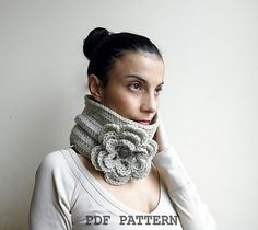 Ravelry: Bulky Flower cowl pattern by Accessorise