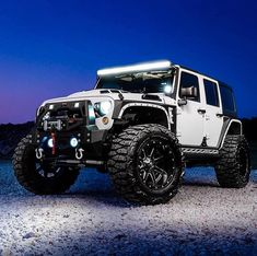 JEEP GOALS🥵🥺👇🏽Comment👇🏽 Yes or No? 🔥❤️ Follo You are in the right place about future cars Here we offer you the most beautiful pictures about the cars Jeep Wrangler Rubicon, Jeep Wranglers, Jeep Wrangler Unlimited, Lifted Jeep Rubicon, Lifted Jeeps, Jeep Wrangler Custom, Jeep Wrangler Lights, Auto Jeep, Jeep Cars