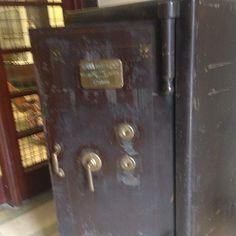 Dominique Iakhlef Door Handles, Doors, London, Home Decor, Door Knobs, Decoration Home, Room Decor, Home Interior Design, London England