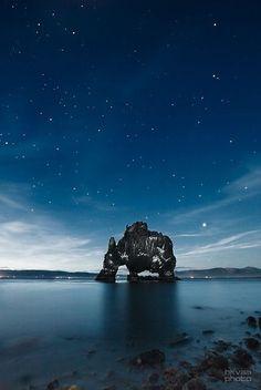 Jolie petite île perdue dans un coins de mer!