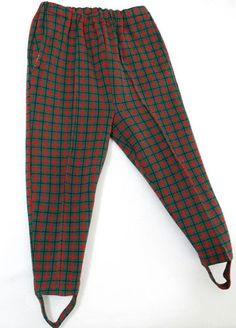 Een broek met bandjes onder je voeten was hip begin jaren zestig.