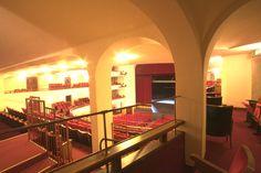 Il Teatro Duse è tra i più antichi edifici di Bologna, dedicato a manifestazioni teatrali sin dalla metà del XVII secolo.