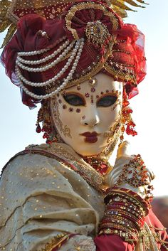 Venetian masquerade costumes and masks Venetian Costumes, Venice Carnival Costumes, Venetian Carnival Masks, Venetian Masquerade Masks, Carnival Of Venice, Masquerade Attire, Masquerade Costumes, Masquerade Party, Costume Venitien