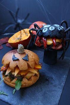 Lovely idea for a Halloween balloon arch Cocktails Halloween, Easy Halloween Snacks, Dessert Halloween, Hallowen Food, Halloween Appetizers, Halloween Food For Party, Halloween Spider, Art Halloween, Spider Food