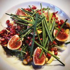 Fenchel-Rucola-Salat mit Granatapfel und Feige  #Food #foodblog #foodporn #Fenchel #Rucola #feige #granatapfel