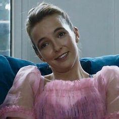 Sarcastic face, Villanelle edition #jodiecomer #villanelle #killingeve #bbcamerica #bbcone Sarcastic Face, College Hairstyles, Structured Fashion, Sandra Oh, Fierce Women, Jodie Comer, Bbc America, Bbc One, Celebrity Portraits
