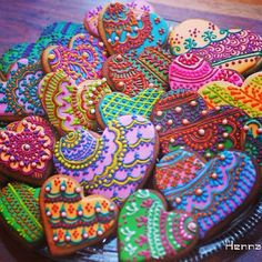 Sangeet Mehendi Henna Cookies - Contact Hyderabad Cupcakes to order! Galletas Cookies, Iced Cookies, Sugar Cookies, Basic Cookies, Owl Cookies, Flower Cookies, Easter Cookies, Birthday Cookies, Cupcakes