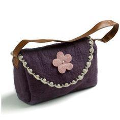 felt bag by danish brand en gry & sif Danish, Felt, Design Inspiration, Shoulder Bag, Lady, Fashion, Moda, Felting, Fashion Styles