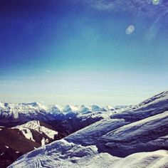 Photo by wanderlinds  Someone take me back here. #nz #coronetpeak #mountains #queenstown #newzealand #travel #snow #mountains #photography #scenery #boarding #piste #extreme #ontopoftheworld