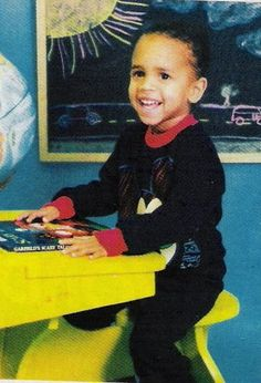 Chris Brown has a secret love child and a baby mother. Now Karrueche Tran dumped him over the sudden news as Breezy remained silent on the topic. Chris Brown And Royalty, Chris Brown Style, Breezy Chris Brown, Chris Brown 2005, Chirs Brown, Chris Brown Pictures, Bae, Young Celebrities, Celebs