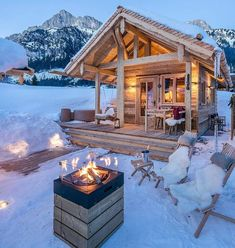 A place to share beautiful images of interior design, residential architecture and occasional other.Best Picture For Residential Architecture apartment For Your TasteYou are looking for something, and it is going to tell you exactly what you are Winter Cabin, Cozy Cabin, Winter Snow, Winter Christmas, Christmas Time, Cabin Homes, Log Homes, Architecture Résidentielle, Log Home Living