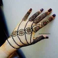 Leg Henna Designs, Mehandi Design For Hand, Mehndi Designs Book, Beautiful Henna Designs, Mehndi Designs For Fingers, Simple Mehndi Designs, Henna Tattoo Designs, Bridal Mehndi Designs, Glitter Henna