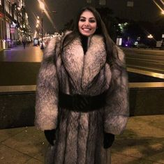 Image may contain: 1 person, standing Sable Fur Coat, Black Fur Coat, Long Fur Coat, Fur Coat Fashion, Cosy Outfit, Fox Coat, Fur Blanket, Photo Instagram, Hot Outfits