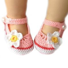 Cute Cartoon Flower Style Baby Newborn Toddler Infant Girls Hand-knitted Wool Crochet Shoes Crib Shoes (White+Pink)