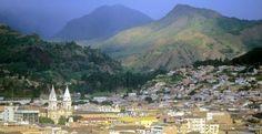 Places to retire: Mountains surrounding Loja, Ecuador © Prisma Bildagentur AG / Alamy