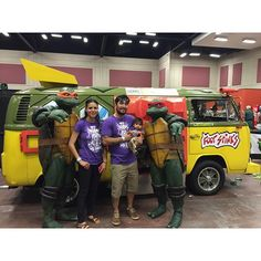 Sunday Funday!    #EPCon #ElPasoComicCon #FirstComicCon #Tmnt #ComicCon #ElPasoTx #TmntVan #SundayFunday #Family #TeenageMutantNinjaTurtles #EPCon2016 #OfficialRIPTster #RIPTapparel #RIPT #Tee #Tshirt #Style #GraphicTee #Outfit #OutfitOfTheDay #InstaFashion  Reposted Via Елена Дедова