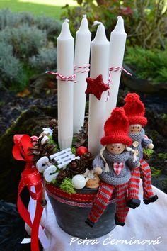 Christmas Advent Wreath, Christmas Gnome, Christmas Candles, Winter Christmas, Christmas Crafts, Christmas Table Centerpieces, Christmas Arrangements, Xmas Decorations, Craft Day