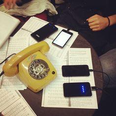 """Tisch der Twitter-Statisten während der Twitter-Theater-Woche 2013 in Jean Pauls """"Flegeljahre"""" #Twitter #Statist  #Marstall"""