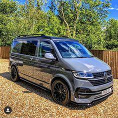 Vw Camper, Vw Transporter Camper, Car Volkswagen, Minivan Camping, Truck Camping, Mini Vans, Transporteur T5, Vw California Beach, E46 Touring