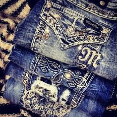 Love Miss Me Jeans. Remember Hills the store? I swear these jeans here fit like them! forget hollister, American eagle and Aeropostale. Miss Me Jeans take over 😊 Country Outfits, Country Girls, Cute Fashion, Girl Fashion, Classy Fashion, Cowgirl Jeans, Cowgirl Outfits, Miss Mes, Bling Jeans
