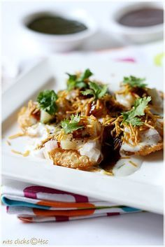 Indian Hors d'oeuvre; Dahi papdi chaat (could make w/naan or chapati slices or even rice crackers!)